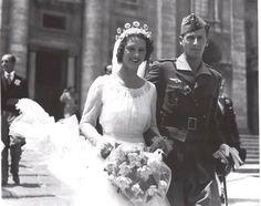 1x-Duke Alvaro of Galliera and commoner Carla Parodi Delfino in Rome, Italy in 10 July 1937. Four children.