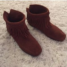 Minnetonka fringe booties size 8 In great condition just don't wear anymore Minnetonka Shoes