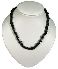 This is a beautiful necklace made of Obsidian. It measures at 45 cm
