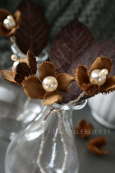 Statt Blumen II - - instead of flowers II - flowers made of beechnuts and pearls. Christmas Wedding Centerpieces, Flower Centerpieces, Christmas Decorations, Decor Wedding, Pearl Decorations, Flower Decorations, Autumn Crafts, Nature Crafts, Nail Noel