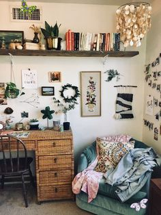 33 Apartment Decorating Ideas to Steal Right Now - A mix of mid-century modern, bohemian, and industrial interior style. Home and apartment decor, decoration ideas, home design, bedroom, living room, dining room, kitchen, bathroom, office, simple, modern, contemporary, boho, bohemian, beach style, industrial, rustic, DIY project inspiration, furniture, bed, table, chair, architecture, building, interior, exterior, lighting<br> You don't have to settle for plain white walls. Cute Dorm Rooms, Cool Rooms, Small Rooms, Home Decor Bedroom, Living Room Decor, 70s Bedroom, Design Bedroom, Bedroom Ideas, Dining Room