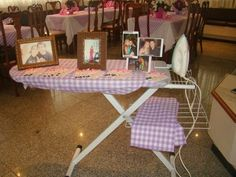 mesa de doces chá de panela feita em casa - Pesquisa Google Bridal Shower Decorations, Table Decorations, Retro Bridal Showers, Bride Shower, Kitchen Shower, Housewarming Party, Open House, House Warming, Office Desk