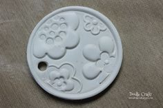 clay pendants painted damask diy necklaces sculpey oven bake hard white fimo flower flourishes (30).JPG