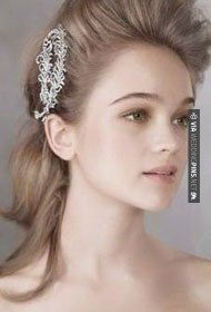 Awesome! - Crystal Feather Hair Comb with Antique | CHECK OUT MORE IDEAS AT WEDDINGPINS.NET | #weddings #hair #weddinghair #weddinghairstyles #hairstyles #events #forweddings #iloveweddings #romance #beauty #planners #fashion #weddingphotos #weddingpictures