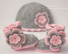 Crochet baby set booties and hat shoes boots by EditaMHANDMADE
