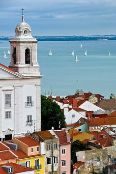 Nice and romantic flat in the heart of Alfama, Lisbon, Portugal with a gorgeous view over the Tagus river. Alfama, an historic district of Lisbon, is a narrowed maze of streets, with many fado houses, local restaurants, trendy bars and picturesque houses.