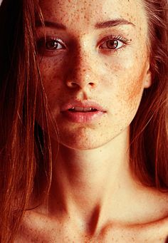 Auburn hair and  freckles.. love natural beauty