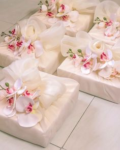 Bridal Gift Wrapping Ideas, Creative Gift Wrapping, Creative Gifts, Wedding Hamper, Wedding Gift Boxes, Wedding Gifts, Japanese Gift Wrapping, Indian Wedding Favors, Gift Wraping