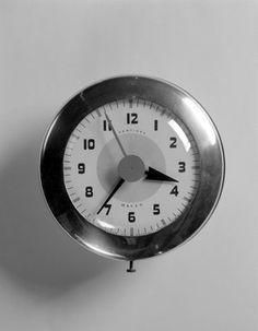 Brooklyn Museum: Decorative Arts: Wafer Clock, Model SK 174