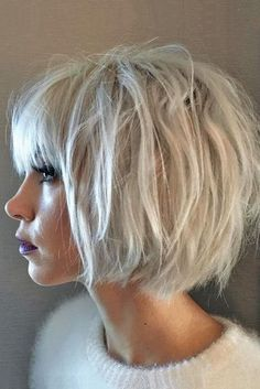 40 blonde short hairstyles for round faces hair cabello, cor Choppy Bob Hairstyles, Lob Hairstyle, Short Bob Haircuts, Cute Hairstyles For Short Hair, Curly Hair Styles, Trendy Hair, Medium Hairstyles, Easy Hairstyles, Round Face Haircuts