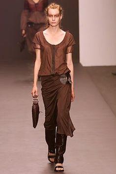 Fendi Spring 2002 Ready-to-Wear Fashion Show - Claire Elliot, Karl Lagerfeld