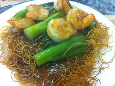 Pan-fried noodles with prawns and choy sum