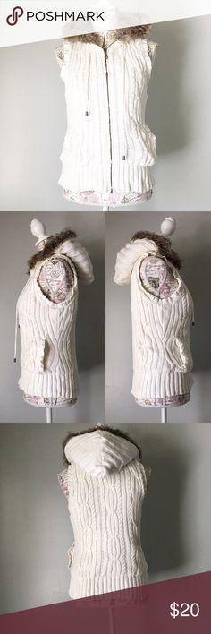 White cable knit zip up vest Jimmy'z Brand - Surf. Skate. Relate - white cable knit zip up vest with hood and pockets. Size small. jimmy'z brand Jackets & Coats Vests