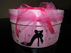 Urne de jeune fille : theme coquette (taille moyenne) : Boîtes, coffrets par pimprenelle-coccinelle-creations Lunch Box, Creations, Scrap, Etsy, Gift Wrapping, Crates, Piggy Bank, Box Sets, Daughter