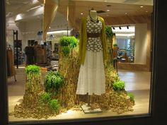 """This article on Anthropologie's """"green"""" window in Cincinnati is very interesting. The display window for their Earth Day campaign used 29,000 corks; it was done to help bring awareness to cork forest conservation. About a 1/3 of the cork stoppers were donated by their corporate office and the remaining were collected and from local customers and restaurants with a month's time. The visual coordinator's inspiration was from a stacked button installation at the Cincinnati Comtempary Arts…"""