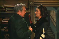 **Scarlett's parents: Gerald &  Ellen O'Hara ~ Barbara O'Neil: was only 29 at the time &  Thomas Mitchell was 47**