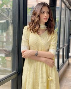 Discover recipes, home ideas, style inspiration and other ideas to try. Simple Pakistani Dresses, Pakistani Dress Design, Pakistani Outfits, Indian Outfits, Frock Design, Dress Indian Style, Indian Dresses, Indian Designer Outfits, Designer Dresses