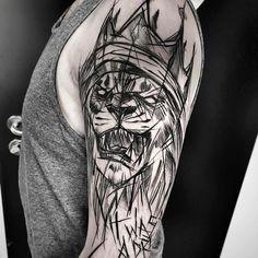 Inez Janiak lion tattoo – Tattoo künstler – – My World Hand Tattoos, Time Tattoos, Body Art Tattoos, Sleeve Tattoos, Lion Shoulder Tattoo, Cool Shoulder Tattoos, Shoulder Tattoos For Women, Sketch Style Tattoos, Tattoo Style