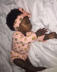 Uploaded by Lil Baby🥶💙. Find images and videos about cute, pretty and baby on We Heart It - the app to get lost in what you love. So Cute Baby, Cute Mixed Babies, Cute Black Babies, Black Baby Girls, Beautiful Black Babies, Brown Babies, Pretty Baby, Beautiful Children, Baby Love