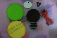 Manualidades en foami, fofuchas, fomy  goma eva Desserts, How To Make, Crafts, Decorated Notebooks, Jelly Beans, Activities, Patterns, Felt Giraffe, Tailgate Desserts