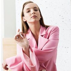 Jodie Comer, Women In History, Celebs, Celebrities, Fashion Lookbook, Suits For Women, Role Models, Pretty Woman, Fashion Beauty
