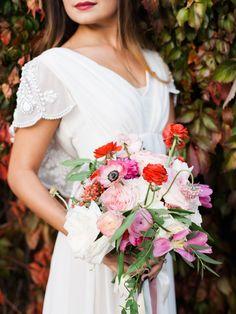 Photography: Rachel Havel - rachelhavel.com  Read More: http://www.stylemepretty.com/2015/03/09/modern-mid-century-wedding-inspiration/