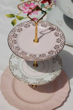 Vintage Christmas Cake Stand - The Pink & Gold Wreath Three Tier Cakestand