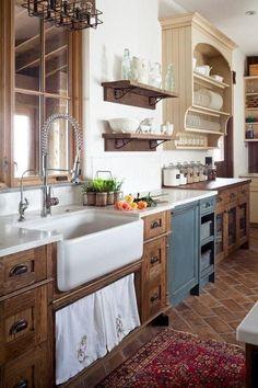 Kitchen Sink Design, Kitchen Cabinet Styles, Farmhouse Kitchen Cabinets, Farmhouse Style Kitchen, Modern Farmhouse Kitchens, New Kitchen, Wood Cabinets, Rustic Farmhouse, Dark Cabinets