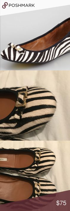 Diane von furstenberg zebra print calf hair flats Diane von furstenberg Size 9 A simple metal bit gives these Diane von Furstenberg flats the perfect amount of hardware to complement the clean, classic design. Black/white dyed, zebra-print calf hair (China) upper. Metal bit with flat bow at round toe. Stretch collar for sock-like fit. BION Cuoio matte kidskin lining and insole. Rubber outsole for traction. Made in Brazil. Diane Von Furstenberg Shoes Flats & Loafers