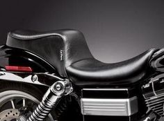 Le Pera Cherokee Smooth Seat for Harley Davidson Dyna models, Black Motorcycle Seats, Bike Seat, Scooters, Aftermarket Motorcycle Parts, Dyna Low Rider, Concept Motorcycles, Harley Dyna, Honda Cars, Motorcycle Parts And Accessories