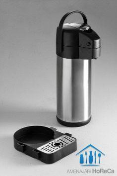 Termos cu Pompa, Produs Premium  Termosuri profesionale, import Olanda  Dimensiuni termos cu pompa:3 litri, Ø171 X (H)373 mm;  Termos cu pompa cu peretii dubli, izolatie ridicata; Baza rotativa;  Maneta din aliaj cu zinc pentru o rezistenta superioara;  Capacul se deschide la 125 grade si este detasabil pentru curatare;  Maner solid; Tava picurare optional;