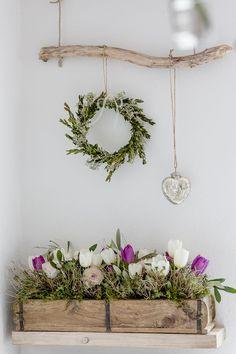 With spring flowers in the march and tea winner- Mit Frühlingsblumen in den März und Teegewinner With spring flowers in the March, Pomponetti -