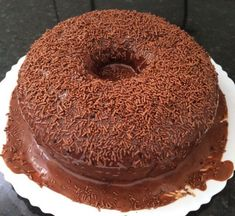 Anthill Cake with Magic Ganache [Bolo Formigueiro] - Smelling Salts Journal Nutella Recipes, Chocolate Recipes, Cake Recipes, Bakers Chocolate, Chocolate Cake, Molten Chocolate, Chocolates, Food Snapchat, Gourmet Cupcakes
