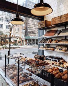 Bakery Decor, Bakery Interior, Bakery Display, Cafe Interior Design, Bakery Cafe, Cafe Design, Bakery Shops, Café Restaurant, Restaurant Design