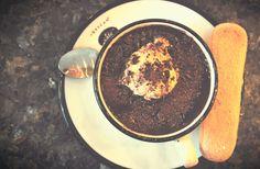 Gorąca czekolada z lodami. | Hot chocolate with icecream.