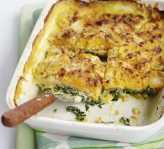 Sweet potato & spinach bake - If you're after some substantial comfort food on a budget then this vegetarian bake is just the thing. Add lamb chops for the meat eaters Sweet Potato Spinach, Spinach Bake, Spinach Gratin, Frozen Spinach, Potato Spinach Recipe, Roasted Sweet Potato Slices, Baked Potato Recipes, Veggie Dishes, Veggie Recipes