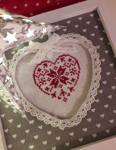 Christmas Heart by La Comtesse & Le Point de Croix