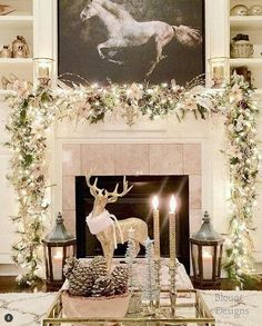 49 Festive Christmas Mantel Decorating Ideas Trending Right Now Modern Christmas Decor, Christmas Mantels, Gold Christmas, Beautiful Christmas, Christmas Themes, Christmas Wreaths, Christmas Villages, Victorian Christmas, Vintage Christmas