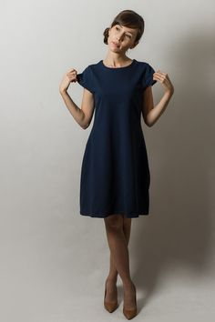 dunkelblaues Sweatkleid // dark, navy blue dress with wide skirt by AfterHours via DaWanda.com