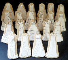 LOVE these wedding dress cookies.