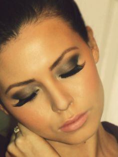 Sexy eyeshadow and long lashes
