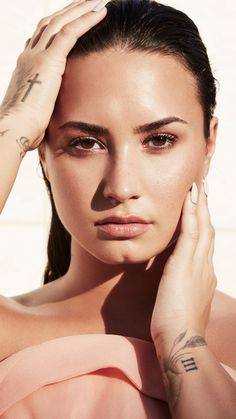 This HD wallpaper is about Demi Lovato, Original wallpaper dimensions is file size is Demi Lovato Style, Demi Lovato Makeup, Demi Love, Demi Lovato Pictures, Portraits, Female Singers, Woman Crush, Selena Gomez, Role Models
