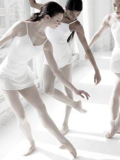Jesse Chase-Lubitz, Nardia Boodoo, Amanda Assucena - Joffrey Ballet Trainees by ©Gina Uhlmann Photography