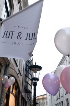 Did you know you can also shop a part of our collection at vintage store Jut & Jul in Utrecht? They're located at Telingstraat 11.