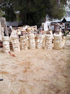Wood Carving Faces, Wood Carving Designs, Wood Carving Art, Bone Carving, Tiki Man, Tiki Tiki, Tiki House, Tiki Statues, Tiki Totem