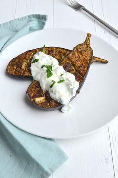 Geroosterde aubergine bootjes met muntyoghurt - roasted eggplant #healthy food