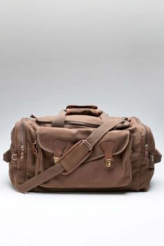 i LOVE Weekender BagS...but I nEver ever go anywhere:(