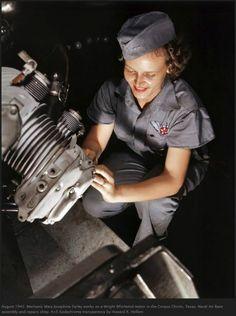 (WW2 Woman Machinists)
