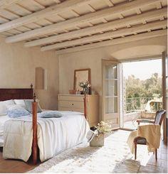 Decoração de Provence... love the ceiling!