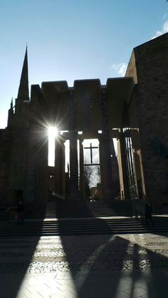This mornings photo serotonin moment: sunburst through the Cathedrals #Coventry